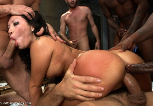 Getting all her holes filled-vuc1r2qhwne11