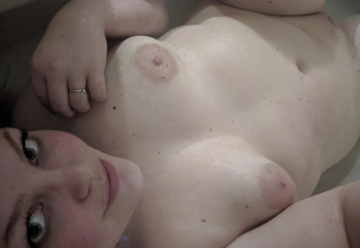 Milf Playing in the bath.  OC -3rx2ztu7wez21