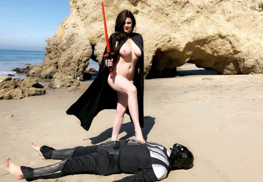 I like this Kylo Ren bod better. By Maitland Ward-b2DJ2Wa